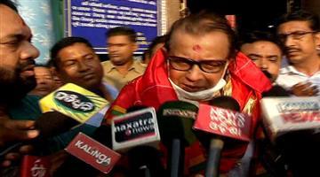 Khabar Odisha:actoor-Mithun-chakraborty-darshans-lord-Jagannath