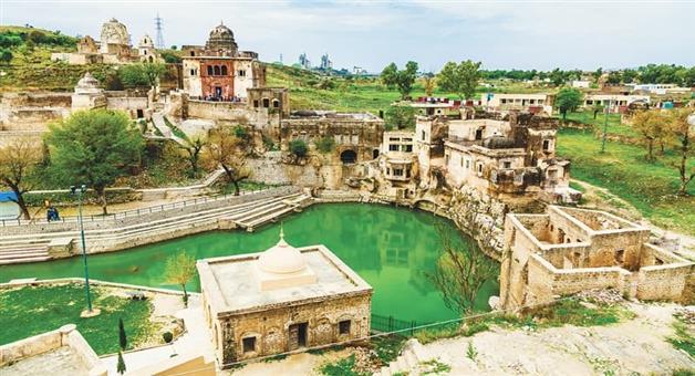 Khabar Odisha:art-and-culture-siv-ratri-katasraj-temple-in-pakistan