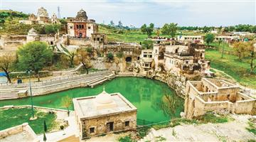 Khabar Odisha:art-and-culture-siv-ratri-katasraj-temple-in-pakistan