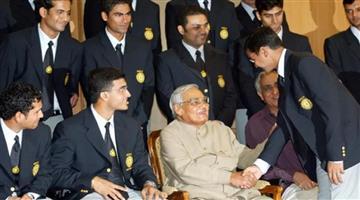 Khabar Odisha:atal-bihari-vajpayee-advised-indian-cricket-team-to-win-hearts-before-historic-tour-of-pakistan