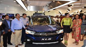 Khabar Odisha:business--Odisha--maruti-suzuki-xl6-car-launched-in-bhubaneswar-nexa-rajbhawan-Narayani-motors-showroom