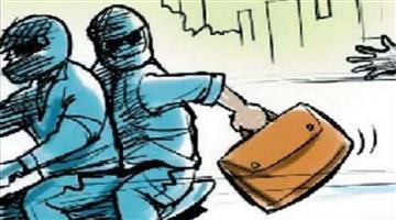 Khabar Odisha:crime-odisha-absence-of-military-staff-lootera-looted-jewellary-in-berhampur