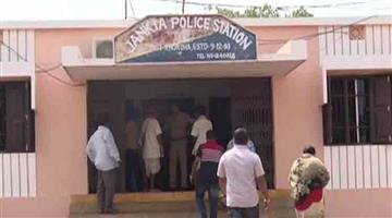 Khabar Odisha:crime-odisha-hanging-deadbody-of-a-man-resuced-in-khurda-jankia