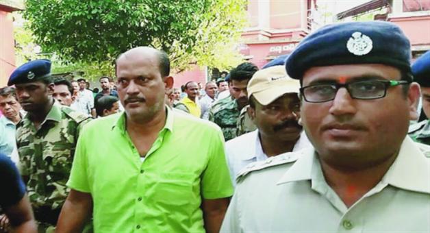 Khabar Odisha:crime-state-odisha-crimebranch-raid-in-gangster-titos-house