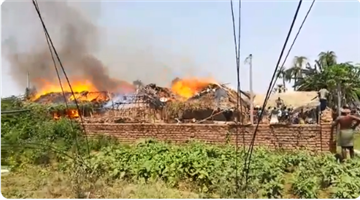 Khabar Odisha:districr-odisha-50-house-burnt-in-fire-break-out-in-chhendipada-Angul-district