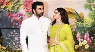 Khabar Odisha:entertainment-bollywood-alia-bhatt-and-ranbir-kapoor-wedding-date-out-rajiv-masand-says-its-december-2020