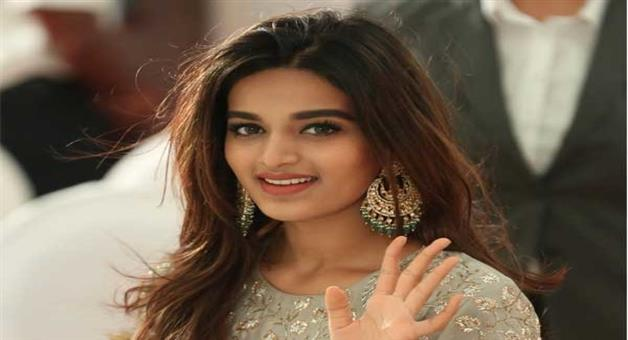 Khabar Odisha:finally-munna-michael-actress-nidhhi-agerwal-signs-her-second-bollywood-film