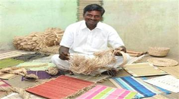 Khabar Odisha:from-Eight-class-he-left-from-study-but-now-gave-job-to-250-woman