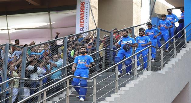 Khabar Odisha:india-australia-2nd-odl-austalia-won-the-toss-and-elect-bowl-first