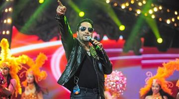 Khabar Odisha:india-entertainment-AICWA-Bans-And-Boycotts-Singer-Mika-Singh-For-Performing-In-Pakista