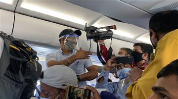 Khabar Odisha:indigo-bans-9-journalists-for-unruly-behavior-during-kangana-ranaut-mumbai-to-chandigarh-flight