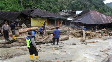 Khabar Odisha:international-flood-in-indonesia-50-died