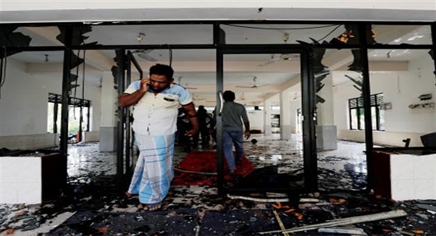 Khabar Odisha:international-srilanka-riot-in-masid-social-media-ban-and-curfew
