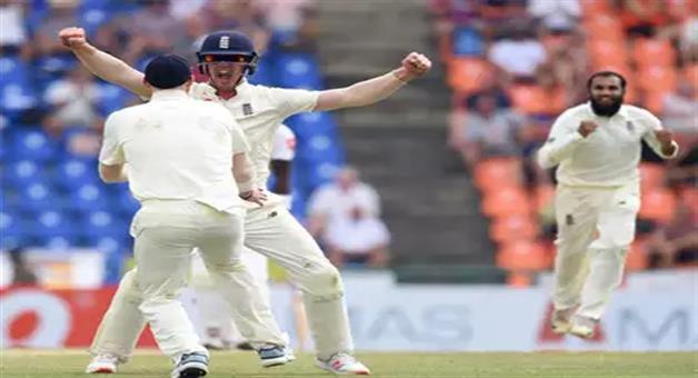 Khabar Odisha:keaton-jennings-produces-outstanding-assist-to-catch-out-sri-lanka-batsman-dimuth-karunaratne