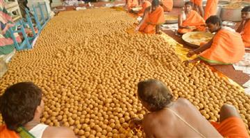 Khabar Odisha:laddoo-scam-in-tirumala-tirupati-14000-laddoos-were-allegedly-diverted-to-black-market
