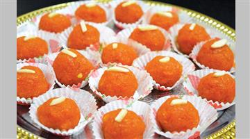 Khabar Odisha:lifestyle-Odisha-Carrot-Laddu-Preparation-at-home