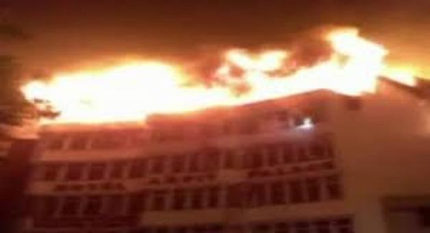 Khabar Odisha:nation-fire-delhi-fire-breaks-out-in-hotel-arpit-palace-in-karol-bagh