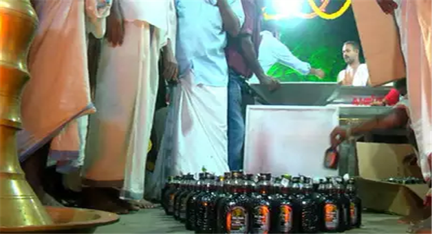 Khabar Odisha:national-odisha-duryodhana-temple-in-kerala-devotees-offer-foreign-liquor