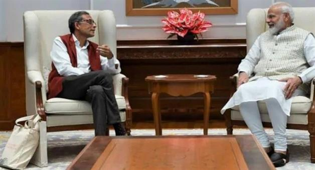 Khabar Odisha:national-odisha-nobel-laureate-abhijit-banerjee-meets-pm-narendra-modi-on-economy-jokes