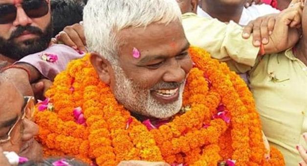 Khabar Odisha:national-odisha-up-bjp-president-swatantra-dev-singh-right-hand-little-finger-injury
