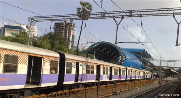 Khabar Odisha:odisha-mumbai-western-railway-halts-services-to-save-bird