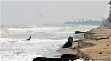 Khabar Odisha:one-killed-as-cyclone-phethai-barrels-through-coastal-andhra-pranesh