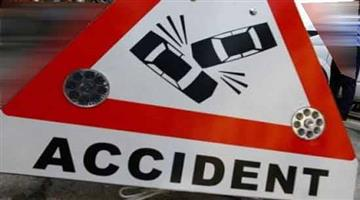 Khabar Odisha:one-school-student-dies-and-two-injure-after-truck-hits-on-cuttack-paradeep-road