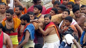Khabar Odisha:pahandi-starts-for-bahuda-yatra-in-Puri