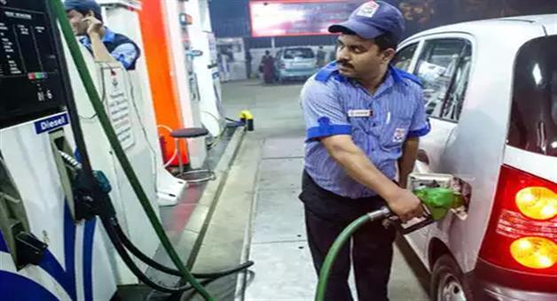 Khabar Odisha:petrol-price-cut-by-21-paise-diesel-also-cheaper