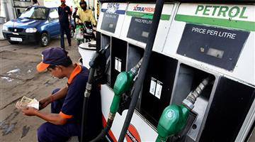 Khabar Odisha:petrol-prices-cut-by-13-paise-diesel-12-paise-in-delhi-today