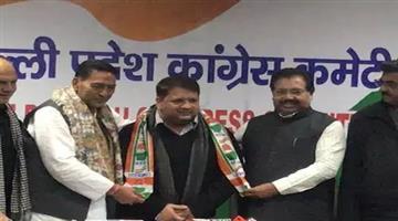 Khabar Odisha:politics-odisha--aap-mla-adarsh-shastri-joins-congress