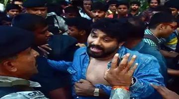 Khabar Odisha:politics-odisha-babul-supriyo-faces-agitation-of-students-inside-jadhavpur-university-of-west-bengal