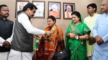 Khabar Odisha:politics-odisha-lok-sabha-electionscongress-leader-himadri-singh-joins-bjp-in-madhya-pradesh