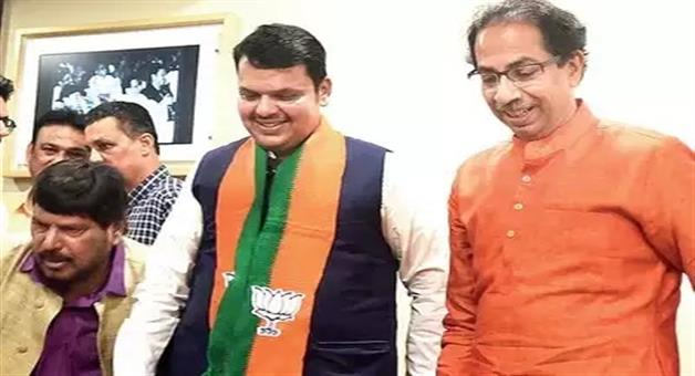 Khabar Odisha:politics-odisha-ramdas-athwale-offers-new-formulae-for-maharashtra-3-years-for-bjp-and-2-years-for-shivsena-cm