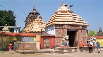 Khabar Odisha:priests-cease-work-at-sakhigopal-temple