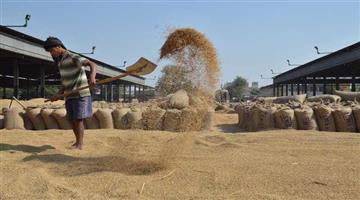 Khabar Odisha:road-strike-cuttack-farmer-issue