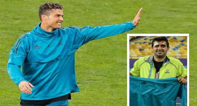 Khabar Odisha:ronaldo-kick-smash-on-the-head-of-cameramen