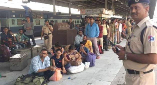 Khabar Odisha:sambit-patra-congress-involved-in-the-attacks-on-north-indians-