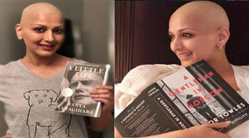Khabar Odisha:sonali-bendre-emotional-post-says-i-could-not-read-book-due-to-chemotherapy
