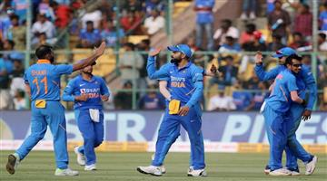 Khabar Odisha:sports--cricket--odisha--australia-gave-287-target-to-india-in-last-odi-in-bengaluru