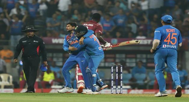 Khabar Odisha:sports--cricket--odisha--india-beat-wi-by-67-runs-3rd-t-20-match-in--Mumbai