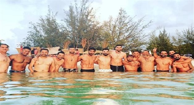 Khabar Odisha:sports-odisha-rohit-sharma-and-virat-kohali-is-in-one-photo