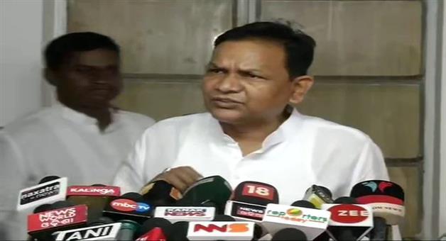 Khabar Odisha:state-news-opposition-leader-pradipta-nayak-critisice-speaker-over-his-work