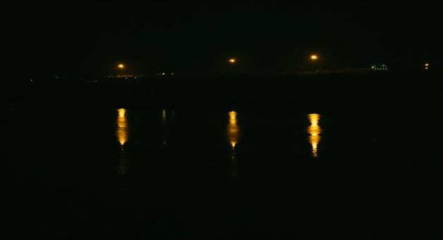 Khabar Odisha:state-odisha--while-talking-in-mobile-truck-deiver-fall-down-in-mahanadi-near-paradip-today-late-evening