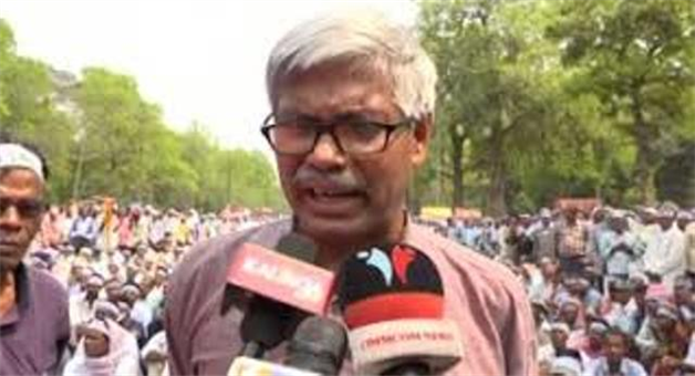 Khabar Odisha:state-odisha-Farmers-under-the-aegis-of-Naba-Nirman-Krushak-Sangathan-NNKS-take-out-rally-from-PMG-Square-to-Naveen-Niwas