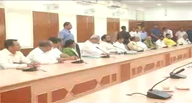 Khabar Odisha:state-odisha-M-Naveen-Patnaik-directs-party-MLAs-to-be-punctual-in-attending-OdishaAssembly-proceedings