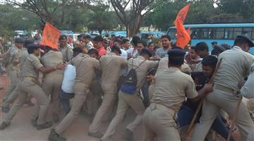 Khabar Odisha:state-odisha-abvp-worker-protect-outside-badri-patra-house