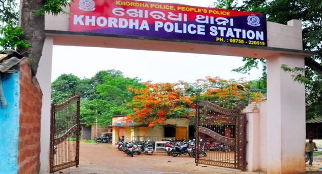 Khabar Odisha:state-odisha-crime-encounter-in-khurda-two-goons-injured