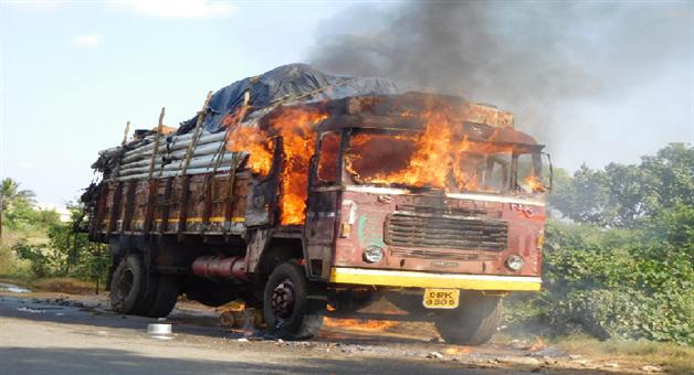 Khabar Odisha:state-odisha-fire-mishap-in-truck-kalahandi-bhabanipatna