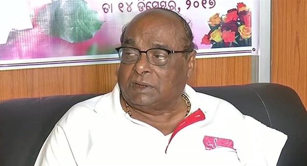 Khabar Odisha:surya-patra-is-a-mad-says-dama-rout